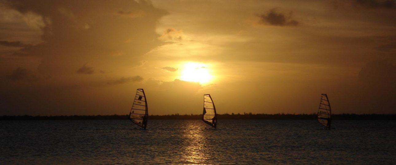 Karibik Reisen Aruba Kiten Surfen