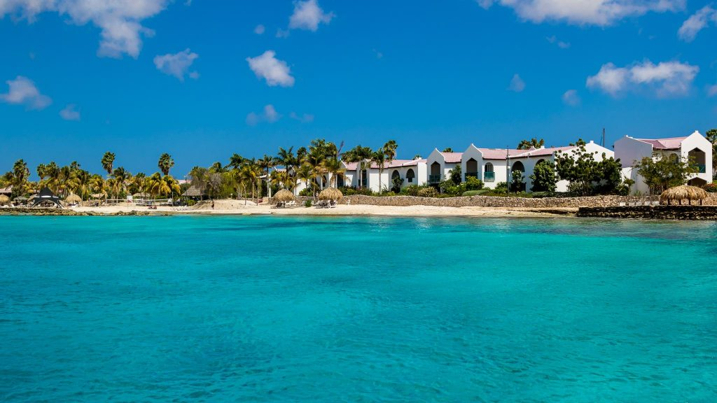 Plaza Beach Resort Bonaire Karibik Tauchen Surfen