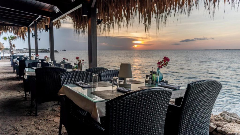 plaza beach & dive resort bonaire restaurant sunset